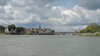 Fahrt direkt durch Chalon-sur-Saône