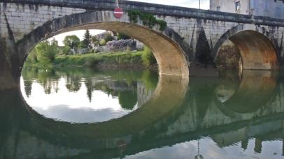 Brücke beim Hafen in Verdun-sur-le-Doubs