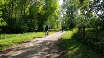 Radweg für sportliche und für gemächliche Fahrer