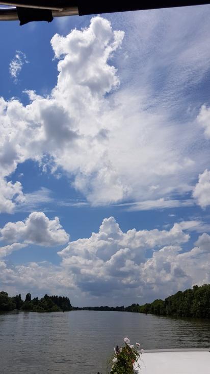 Schönwetter mit prächtigen Wolkenformationen