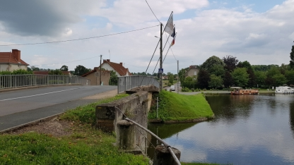 Auf dieser Brücke war der übergang vom besetzten Frankreich zum Vichy-Frankreich