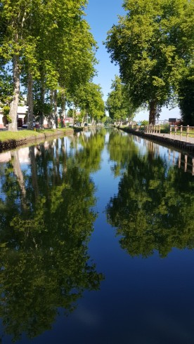 Kanal-Alle an der Ausfahrt von Paray-le-Monial