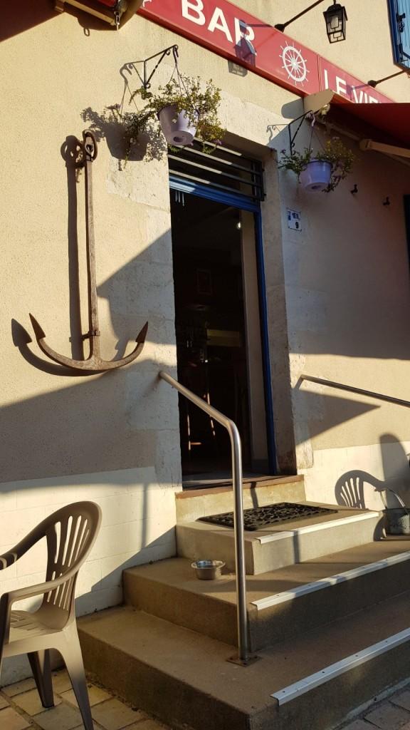 Café du Vieux Port in Chatillon