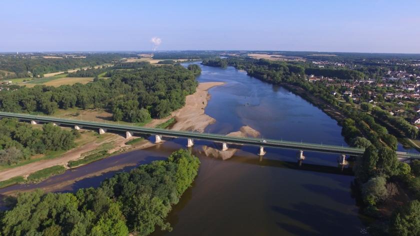 Selbst aus 100 Metern Höhe bringt man nicht die ganze Brücke aufs Bild (662 Meter lang)