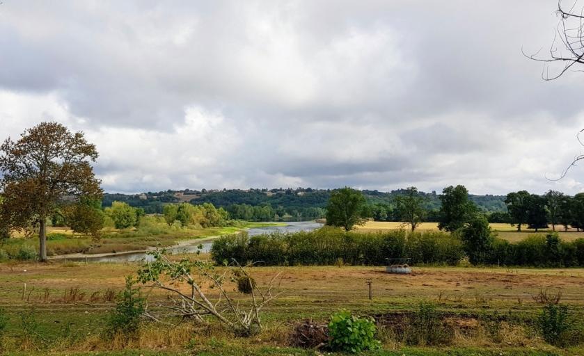 kurz vor Digoin ist der Kanal plötzlich ganz nah an der Loire