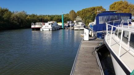 Noch liegt da kein Boot - unser Nachbarboot heisst übrigens auch Escapade
