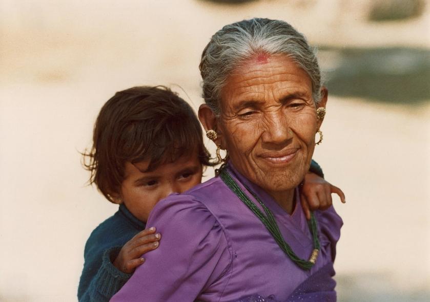 Pokhara, Frau deren Schönheit alters-und zeitlos erscheint