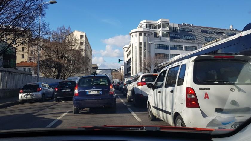 Verkehrschaos aber irgendwie rollt es trotzdem