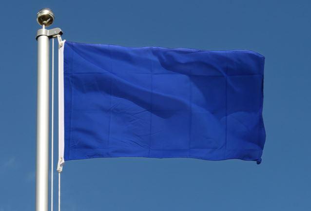 Blaue Flagge: es gibt wiederWasser