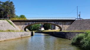 Eine ungewöhnliche Brückenform, sehr elegant
