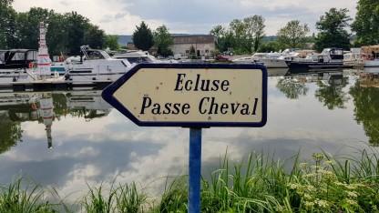 Rätselhafter Name 'Ecluse Passe CHeval': Eine Schleuse, in der auch Pferde durchgehen?