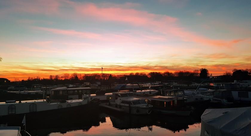 Sonnenuntergang heute abend, wieder mal in sehr intensiven Farben