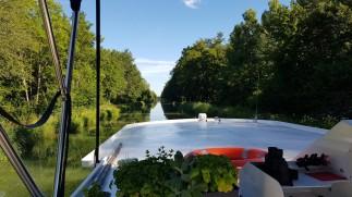 EingansHaltung im Champagne-Burgund-Kanal