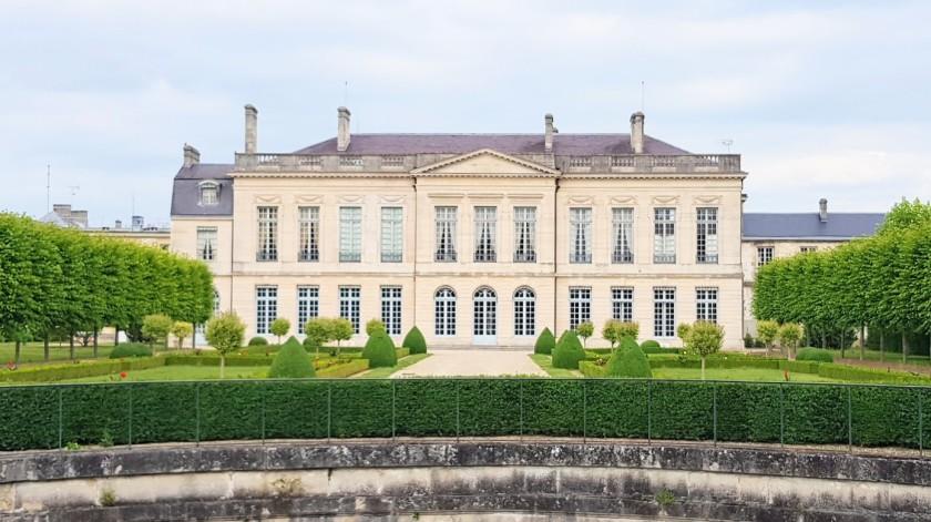 La Préfecture residiert in einem repräsentierenden Schlösschen aus dem 18. Jahrhundert